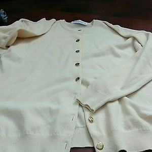 AUTHENTIC VTG BURBERRY SWEATER BUTTER YELLOW 42